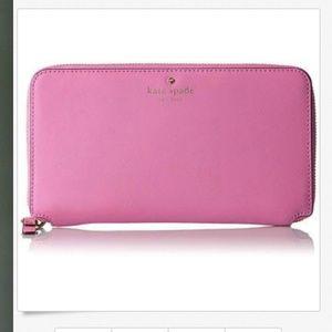 kate spade Cedar Street Maia Travel Wallet pink nw